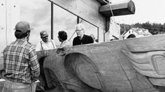 NFB movie about the carving of a totem pole for Skidegate by Bill Reid. English with French subtitles.
