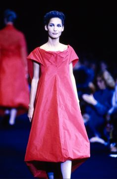 Comme des Garçons Spring 1991 Ready-to-Wear Fashion Show - Marpessa Hennink