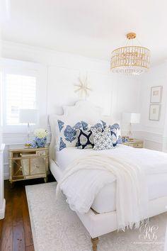 Home Interior Scandinavian blue white bedroom Elegant Home Decor, Cheap Home Decor, Room Ideas Bedroom, Bedroom Decor, Master Suite, Blue And White Pillows, Boho Home, My New Room, Home Interior