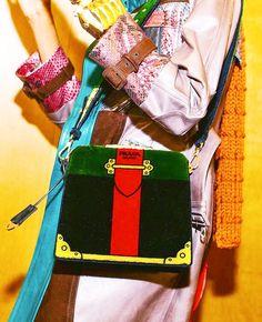Today women's show @prada 💃🏻👜 #milanfashionweek #Prada @prada #bag #velvet #colors #logo #fashionshow2017 #moda #fashion #love #location #milan #city #yesterday #ilovemoda #ilovemoda #socialnetwork #pinterest #instagram #tumblr #twitter #followme #followers #like #follow4likes #like4like #fashionblog #mypageispublic #followme