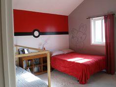 Pokemon Bedroom - Pokeball wall