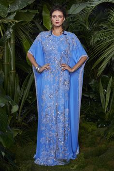Naeem Khan Resort 2016: Lovely blue color! I could see the theme with the kaftan.