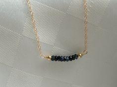 14 karaats vergulde vullen Sapphire necklace, Gold Gemstone ketting, Sapphire geboortesteen ketting, sapphire necklace, September birthstone ketting door GemmaJolee op Etsy https://www.etsy.com/nl/listing/239316075/14-karaats-vergulde-vullen-sapphire