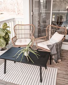 Tips and step by step how to decorate a small patio or apartment balcony for spring and summer. Transform your outdoor living space with cozy furniture and fun styling ideas. Ways to Transform a Small Patio Into a Relaxing Retreat Dreamy Outdoor Oasis. Small Patio Spaces, Small Outdoor Patios, Small Balcony Design, Small Balcony Decor, Outdoor Living, Balcony Ideas, Apartment Balcony Decorating, Apartment Balconies, Apartment Living