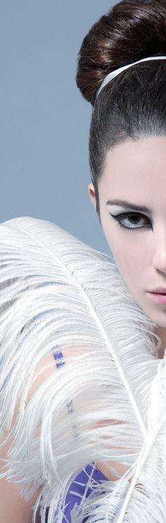 Ballet #origami #dancer #feather #ballerina #model #photoshoot #magazine #photostyling