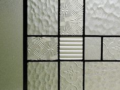 Japanese Interior Design, Japanese Modern, Home Hacks, Glass Design, Traditional House, Textures Patterns, Life Is Beautiful, Interior And Exterior, Stained Glass