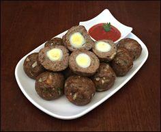 Bolinho de carne com ovos
