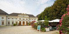 Restaurant Wieser Schloss Halbturn Restaurant, Mansions, House Styles, Foodies, Home Decor, Places, Vacation, Round Round, Mansion Houses