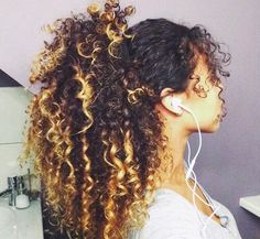 I love this simple style for curls and the ombré on her hair is amazing Curly Hair Styles, Natural Hair Styles, Pelo Natural, Natural Hair Inspiration, Cornrows, Big Hair, Hair Dos, Remy Hair, Gorgeous Hair