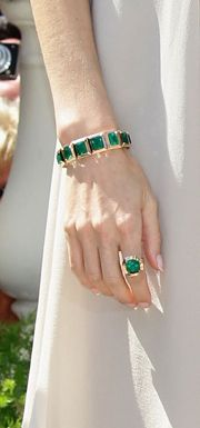 Emeralds <3 My Absolute Fav.. I keep Telling Raulito I So Need a Colombian Emerald.. ;0)