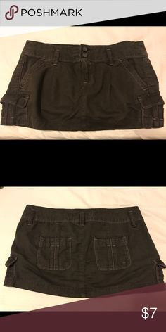 """Brown Abercrombie & Fitch Skirt Cute Abercrombie & Fitch brown skirt. Total length: 10"""". Bundle with 2+ more items from my closet to receive 15% off! Abercrombie & Fitch Skirts"""