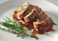 Το χοιρινό είναι ένα νόστιμο, ελαφρύ και με — σχετικά—χαμηλά λιπαρά,κρέας που πολλοί από εμάς το προτιμούν. Δεν πολυτρώω κρέας, όχι ότι είμαι χορτοφάγος — καθόλου μάλιστα — όμως με καλύπτει από…