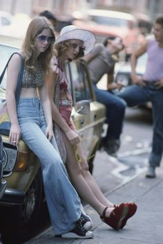 Billie Perkins and Jodie Foster photographed by Steve Schapiro on set of Taxi Driver (1976)