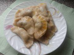 Ciasto na pierogi Ewy Wachowicz. Pierogi, Garlic, Meat, Chicken, Vegetables, Blog, Polish, Vitreous Enamel, Vegetable Recipes