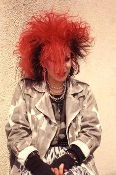 teased red hair - The Alternative Weston Super Mare Scene 80s Goth, 80s Punk, Punk Goth, Vintage Goth, Victorian Goth, Alternative Outfits, Alternative Fashion, Goth Look, Goth Style