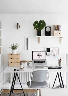 Browse pictures of home office design. Here are our favorite home office ideas that let you work from home. Shared them so you can learn how to work. Home Office Desks, Home Office Furniture, Furniture Ideas, Apartment Office, Office Spaces, Luxury Furniture, Bedroom Furniture, Furniture Buyers, Interior Office