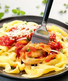Browse lots of keto dinner ideas including low-carb pasta, pizza, and lasagna recipes. There are over a dozen keto main dish and side dish recipes to try. Keto Pasta Recipe, Pasta Recipes, Low Carb Recipes, Diet Recipes, Vegetarian Recipes, Cooking Recipes, Healthy Recipes, Vegetarian Italian, Brunch Recipes