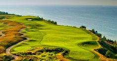 3 premier resort destinations are offering attractive golf getaways during September and October. Find Northern Michigan golf packages from Boyne, Crystal Mountain and the Homestead.