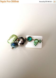 White and Green Brooch - Shell Crystals & Pearls Brooch -...