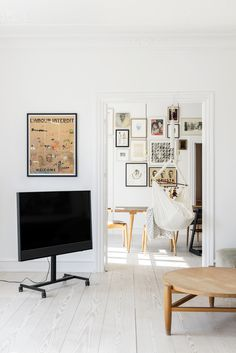 The icon of rock Kasper Eistrup has now a life devoted to visual arts! Have a look into his Copenhagen apartment on stories.bang-olufsen.com