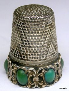 Antique Victorian Sterling Silver Jade Cabochon Thimble Vintage 1284 I Vintage Sewing Notions, Vintage Sewing Machines, Sewing Box, Sewing Tools, Vintage Buttons, Vintage Items, Sewing Accessories, Haberdashery, Pin Cushions