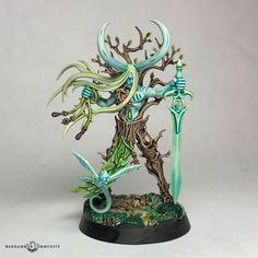 Warhammer Wood Elves, Warhammer Paint, Warhammer Fantasy, Warhammer Aos, 28mm Miniatures, Fantasy Miniatures, Fairy Drawings, Dark Eldar, Elves Fantasy