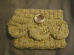 Knitted Small Yellow Clutch Bag Coin Purse With Leaf Frill Detail £4.50