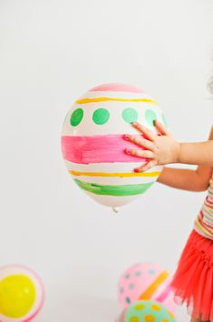 What about doing some painting balloons during the weekend? #kidsplaytime playtime #funideas . See more inspirations at www.circu.net