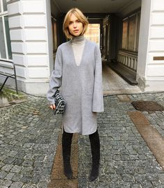 What Danish Street Style Star Pernille Teisbaek is Wearing to Fashion Week Danish Street Style, Street Style Looks, Fashion 2017, Star Fashion, Street Fashion, Office Fashion, Weather Wear, Minimal Fashion, Minimal Style