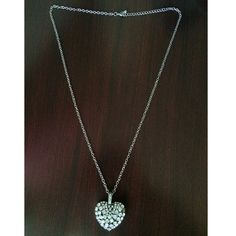 Heart shaped diamond(not real ones)necklace A long necklace enough that's it goes down to your belly button!(: In great condition ! Forever 21 Jewelry Necklaces
