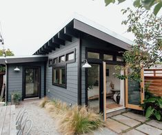 Home Tour: Falling-Down Garage Turned Gorgeous Guest Suite - Sunset Magazine Backyard Guest Houses, Garage Guest House, Small Guest Houses, Backyard House, Backyard Retreat, Garage Renovation, Garage Makeover, Dyi, Best Decor