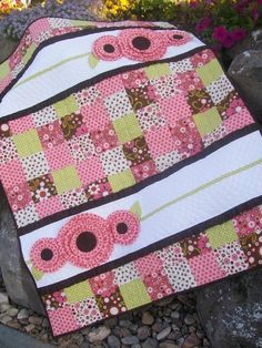 Pocket Full of Posies Girl Baby Quilt Pattern.
