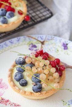 Crème pâtissière (krem budyniowy) - najlepszy do ciast z owocami - Madame Edith Anna Olson, Fruit Salad, Quiche, Cooking, Breakfast, Food, Recipes, Tart, Kitchen
