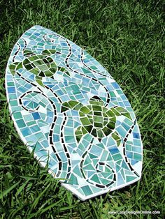 Lucy Designs: Mosaic Surfboards. Love the colors!