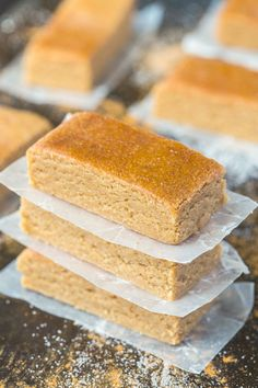 No Bake Apple Pie Protein Bars (Paleo, Vegan, Gluten-Free)- soft, chewy and tasting like dessert, these no-bake apple pie bars take just 10 minutes!