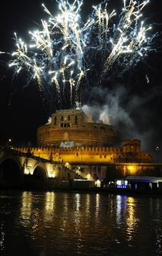 Zoom - #Roma La #Girandola di #CastelSantAngelo - Roma La Girandola di Castel Sant'Angelo - 2/6