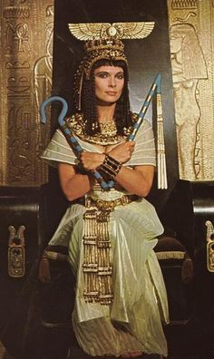 "Hildegarde Neil in ""Anthony and Cleopatra"" (1972)"