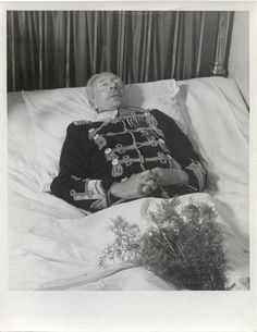 Kronprinz Wilhelm von Preussen auf dem Totenbett, German Crown Prince Wilhelm