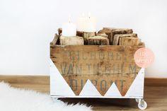 Range buche en bois réalisé avec une vielle caisse. Un peu de peinture, des roulettes et le tour est joué! Retrouvez toutes les infos de ce joli DIY sur mon blog www.idoitmyself.be