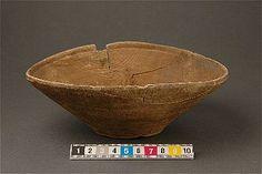 Wooden bowl from Uppsala, the neighbourhood The Brewer, Bryggaren. Medieval period.