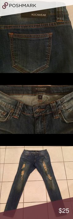 Roca Wear Jeans size 5 juniors Roca Wear Jeans size 5 juniors   Barely worn! In great condition 😊 Rocawear Jeans Skinny