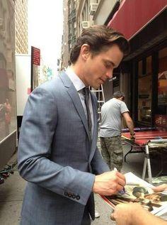 Matt Bomer White Collar Season 5: New Possible Mystery for Con Man Neal Caffrey? Latest Twitter Photos from New York City Set [PHOTOS] - Entertainment & Stars