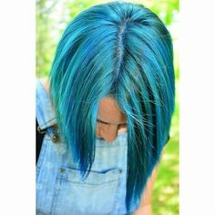 Here, we love hair! If you are a beauty artist send us a message for a free feature! Bob Hairstyles For Fine Hair, Undercut Hairstyles, Pretty Hairstyles, Hair Undercut, Short Blue Hair, Asymmetrical Bob Haircuts, Hair Addiction, Cool Hair Color, Hair Colors