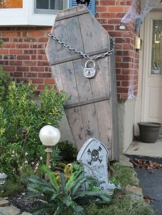 coffin. Awesome halloween decor