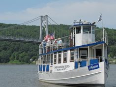@Dutchess County, Hudson Valley, NY Empire Cruise Lines on the Hudson River