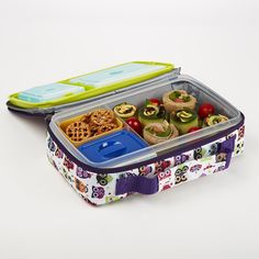 This Bento Lunch Kit is perfect for back to school. Kit has one main container with a sandwich sized compartment and two smaller compartments. Plastic containers are microwave, freezer, and top rack dishwasher safe. View the collection today at www.fit-fresh.com #fitfresh