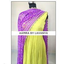 Indian Gowns Dresses, Indian Fashion Dresses, Indian Designer Outfits, Indian Outfits, Designer Dresses, Anarkali Dress Pattern, Robe Anarkali, Lehenga, Saree