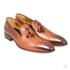 FERI - Paulo - Shoes - Light Brown Mens genuine leather tassel loafer - Real cow hide leather upper with leather sole - Custom sole imprint with FERI design - Hand brushed leather creates unique look Leather Tassel, Cowhide Leather, Men's Shoes, Dress Shoes, Selling On Pinterest, Classy Men, Tassel Loafers, Bracelets For Men, Black Heels