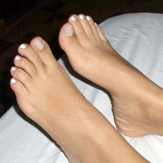 love her pretty toes! Pretty Toe Nails, Cute Toe Nails, Pretty Nail Colors, Pretty Toes, Pretty Sandals, Feet Soles, Women's Feet, Pies Sexy, Foot Pedicure