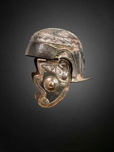 Casco de caballería romana